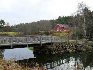River Bend Farm Visitors Center, Blackstone River and Canal State Park, Uxbridge, Massachusetts, courtesy Wikipedia