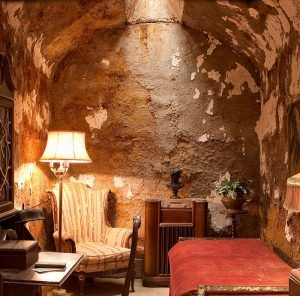 Al Capone's Cell at Eastern State Penitentiary by Seeming Lee, Wikipedia