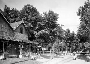 Street view, Delaware Water Gap, Pennsylvania by Detroit Publishing, about 1910