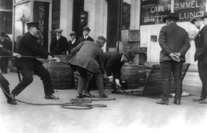 Prohibition officers raiding a lunch room in Washington DC, 1923