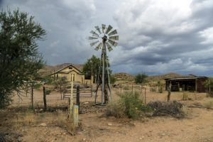An old ranch in Hackberry, Arizona by Carol Highsmith.