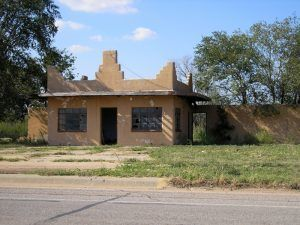A closed business in Shamrock, Texas by Kathy Weiser-Alexander.