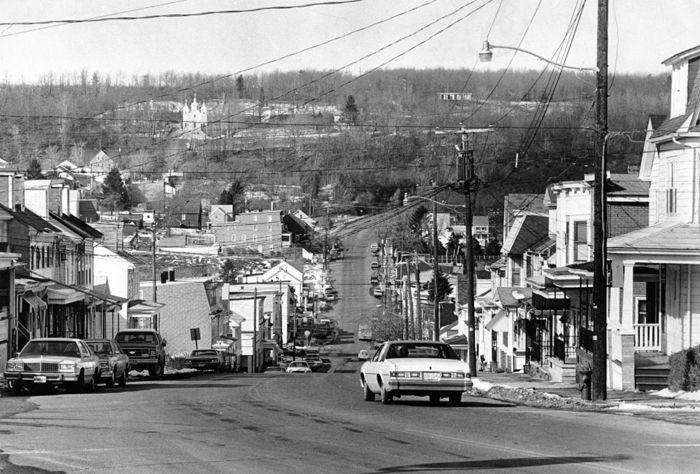 Centralia, Pennsylvania in 1980 by Robert E. Dias, Philadelphia Evening Bulletin