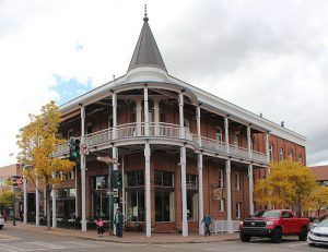 Hotel Weatherford in Flagstaff, Arizona courtesy Wikipedia.