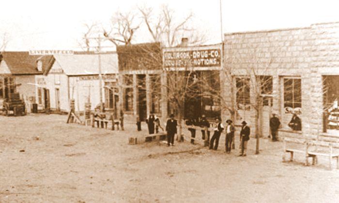 Holbrook, Arizona in 1900.