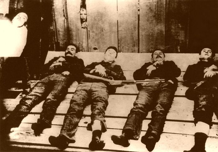 Most of the members of the Dalton Gang were killed after trying to rob two banks in Coffeyville, Kansas.