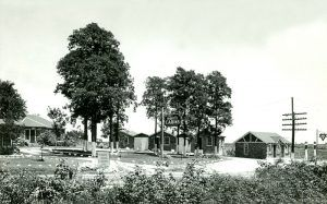 Reed's Cabins on Route 66 in Rescue, Missouri during its heydays.