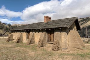 The officers' quarters at Fort Tejon, California by Carol Highsmith.