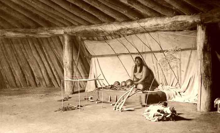 Arikara Indian at the alter, by Edward Curtis, 1908