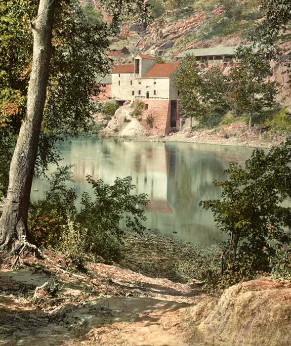 Old mill on the Potomac River in Maryland by the Detroit Publishing Company, 1899.