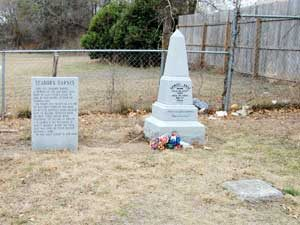 Seaborn Barnes and Sam Bass Graves in Round Rock, Texas by Kathy Weiser-Alexander.
