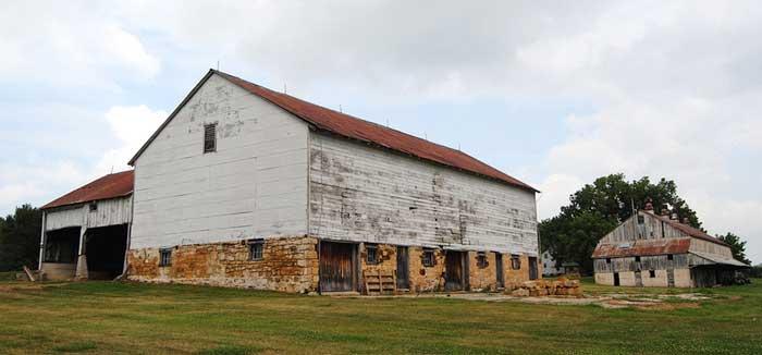 East Amana, Iowa barns