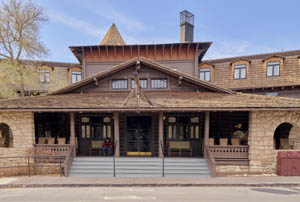 1905 El Tovar Hotel built by Fred Harvey as part of the Santa Fe Railroad System. Photo by Carol Highsmith.