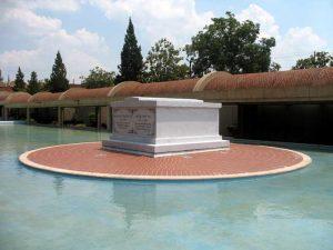 Tomb of Martin Luther King and Coretta Scott King at the Martin Luther King Jr.at the National Historic Site in Atlanta, Georgia by Wikipedia.