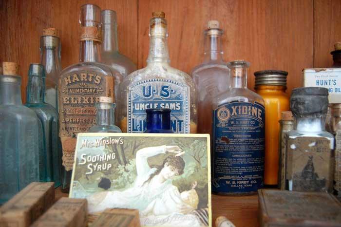 Medicine Cabinet - LARCS Arcadian Village, LA