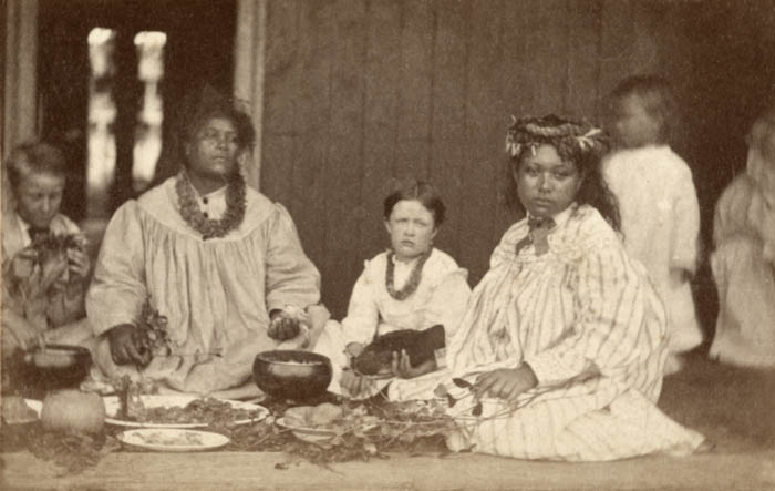 Hawaiian Family 1880.