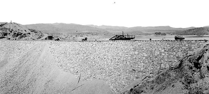 Walnut Grove Dam, Arizona