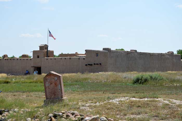 Bent's Old Fort - Trading on the Trails