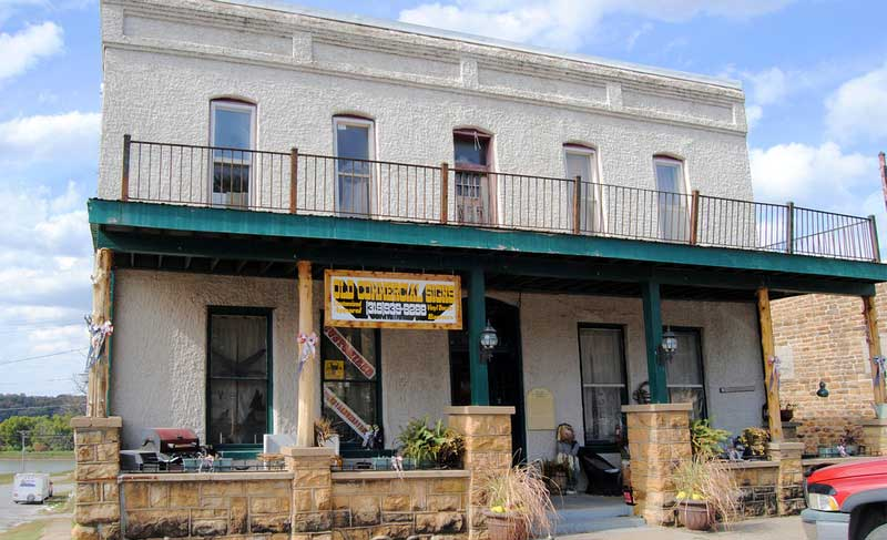 Old Commercial Hotel